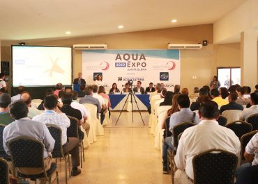 Larvicultores y productores de camarón se reúnen en AQUA EXPO SANTA ELENA